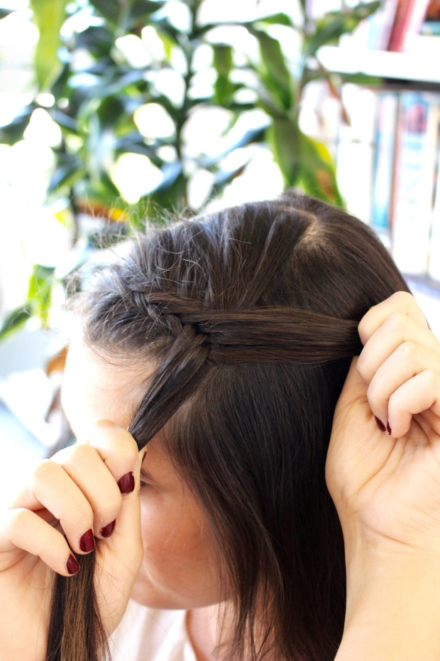 Fishtail Braid directions and tutorial!