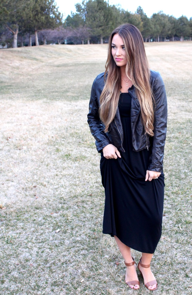 Comfy long black maxi dress from Pink Blush Boutique! Paired with a brown leather jacket, perfect for Fall. Women's Fall Fashion and Style!