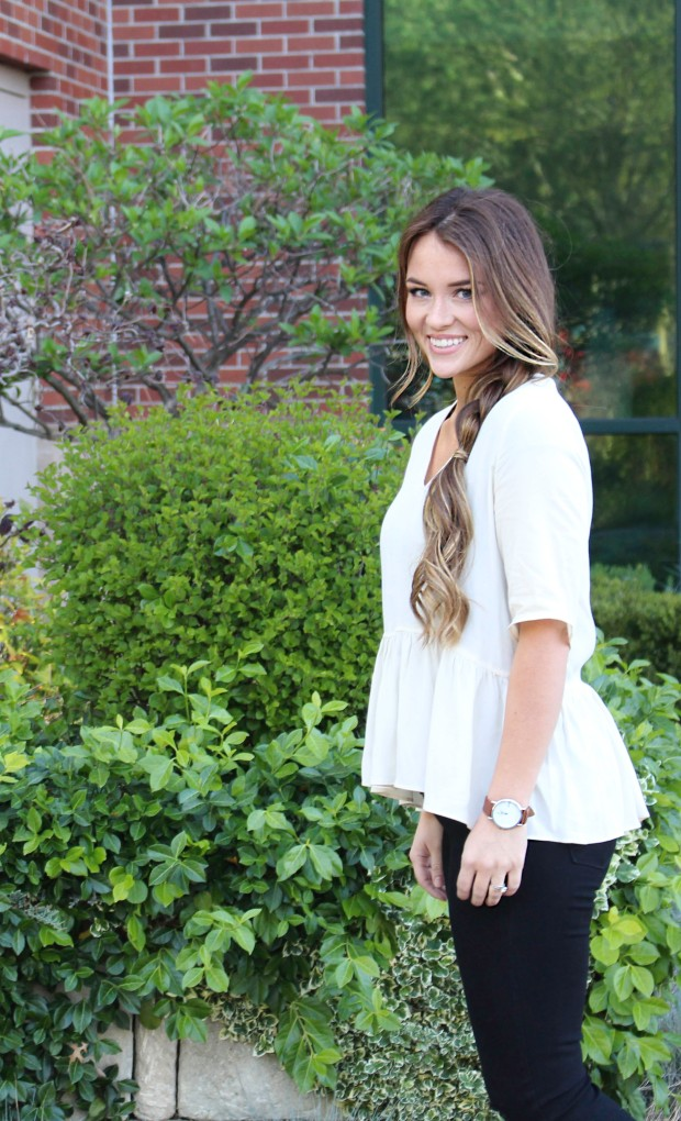 Perfect Peplum top! White flowy shirt for summer and spring. Mom style, women's fashion.