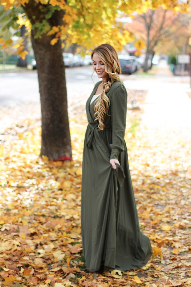 Flowy Fall Maxi Dress. Long maxi wrap dress in green.