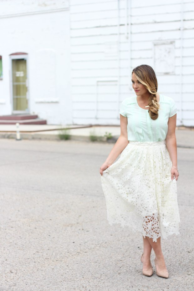 White floral and lace medium length skirt, with mint top. Dressy date night style for Spring.