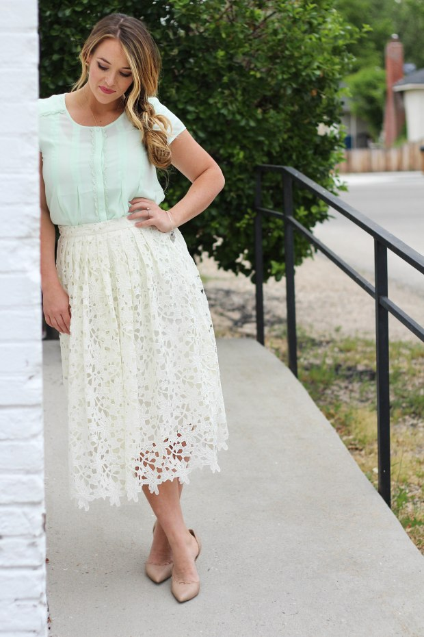 White Floral Skirt wit lace and eyelets. Lovely Mid length skirt for Spring.